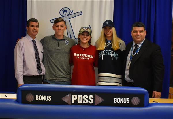 Hendrick Hudson Seniors Sign Letters of Intent to Play College Athletics