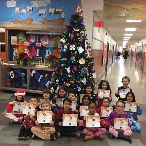 FGL Second graders with certificates